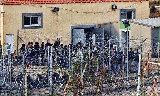 Nasilan pritisak na migrante u Grčkoj