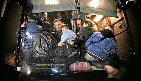 ALBANCI BEŽE SA KOSOVA Puni autobusi iz Prištine idu za Suboticu