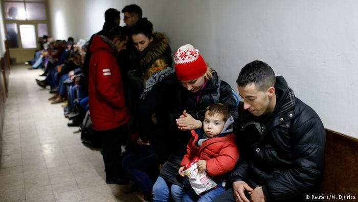 Deportacija:U Prištinu sleteo avion pun emigranata
