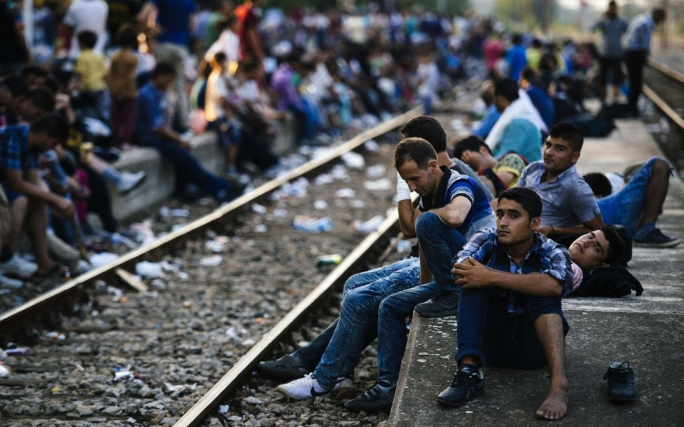 A million refugees and migrants flee to Europe in 2015
