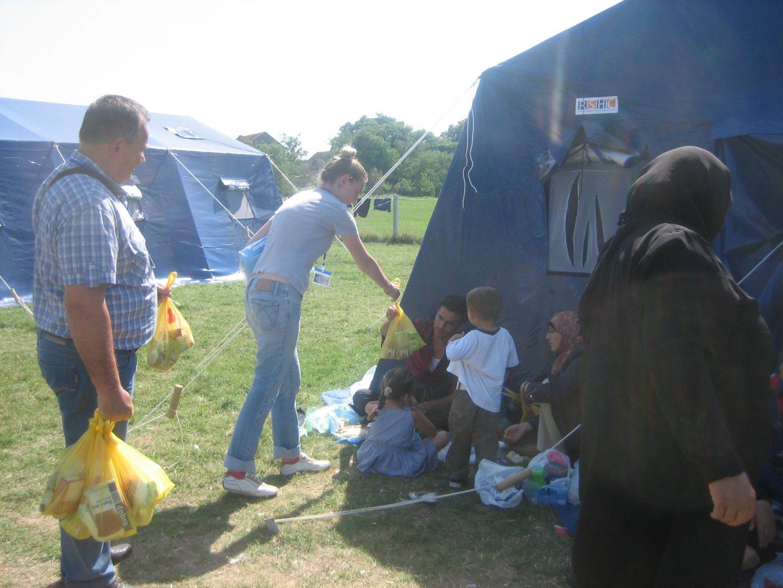 HCIT na terenu: Pravna pomoć i informisanje, distribucija hrane i higijenskih artikala najugroženijim izbeglicama